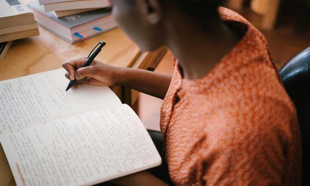 Tips to Budget Yourself When Studying Abroad